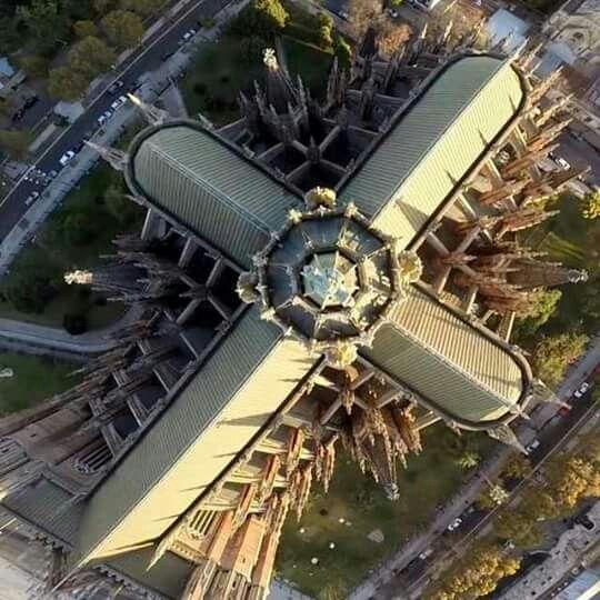Catedral de La Plata vista desde el cielo