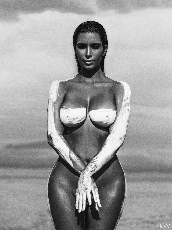 Kim kardashian black and white nude