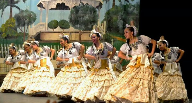 Campeche! Mexico Lindo Ballet Folklorico at competition 2013