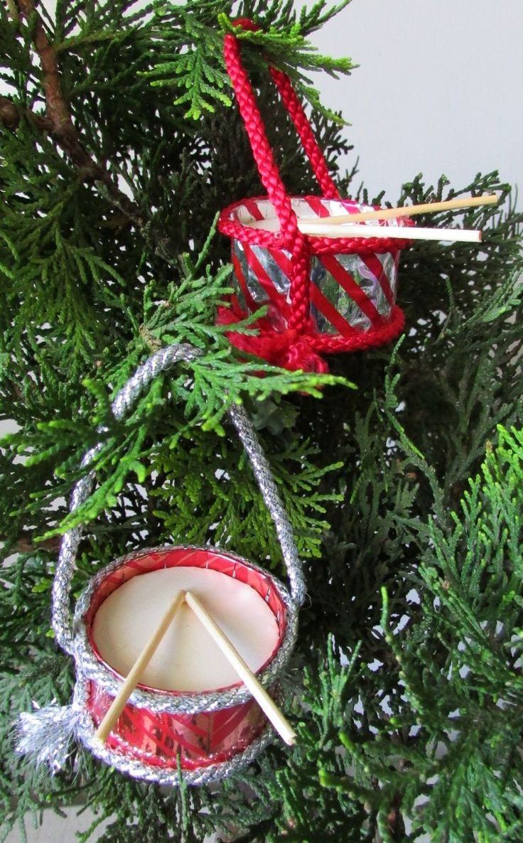 After seeing packets of Christmas drum decorations in a shop, I decided to make my own, complete with toothpick drumsticks.