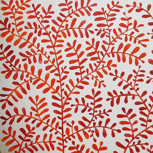 생각만큼 이쁘게 나오지 않아서 실망이야😒 뭐가 문젠거지??👺👽 더 빽빽하게 그렸어야했나. . . . #첫번째 #first #botanic #botanical #pattern #watercolor #orange #red #art #artwork #botanicalart #leaves #fall #autumn #illustration #artstudio #ground37c #artstagram #취미미술 #그림그리기 #수채화 #패턴 #그림스타그램 #야간작업