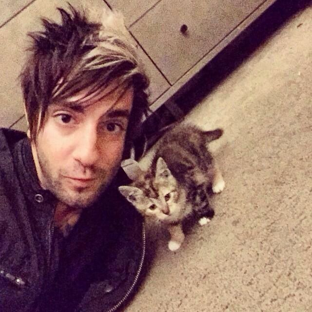 lets play this game-- who's cuter? the cat or jack baracat? (see what i did there huh)