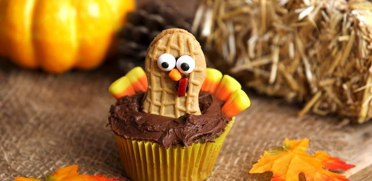 Have your turkey for dessert with these cute Turkey Cupcakes! Whip these up for your Thanksgiving dinner and watch as your guests gobble them up in no time! What's best is that they're super easy to make, so you can get your kids to help. Give them a try