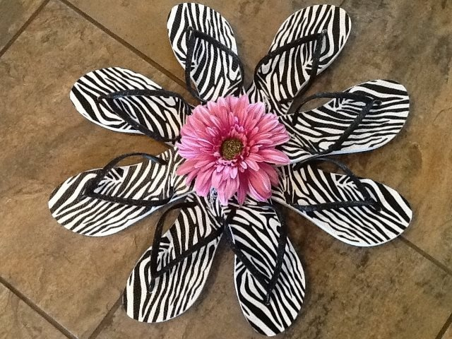 flip flop wreaths   Photo: Made another flip flop wreath! It's at showplace market in ...