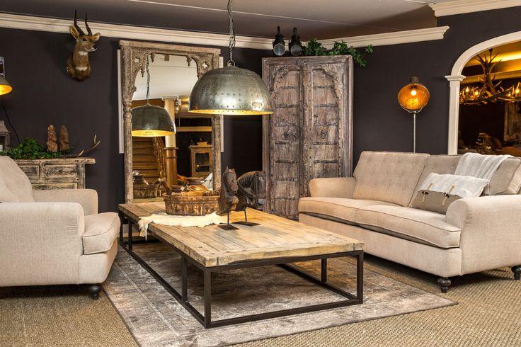 Het elegante bankstel Lance zorgt voor een romantische sfeer in u vintage woonkamer.