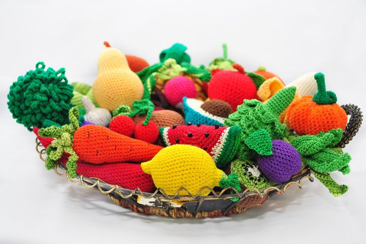35 Crochet Play Food Patterns. A Book of Crochet Patterns of Fruit and Vegetable from Apple to Grapes to Pear to Watermelon to Zucchini by VeronicaKayCrochet on Etsy https://www.etsy.com/listing/234734568/35-crochet-play-food-patterns-a-book-of