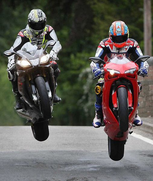 Neil Hodgson and Michael Neeves on Aprilia RSV4 and Ducati 1198 | Isle of Man 2012