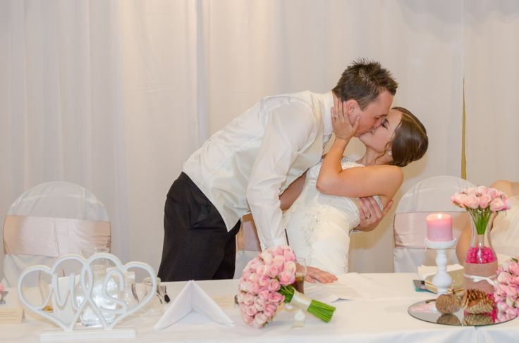 Candid Photos of a Lifetime - A dip & and a kiss  www.candidphotosofalifetime.com.au