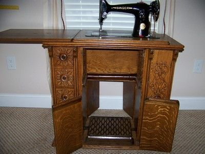 Vintage Singer Sewing Machine in Ornate Drawing Room Cabinet - 52 Best Sewing Machine Tables Images On Pinterest Cabinets