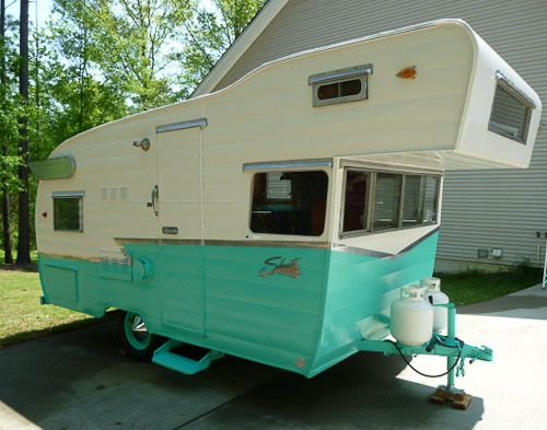 Pete's 1964 Shasta trailer -- an Astroflyte -- a gorgeous restoration - Retro Renovation