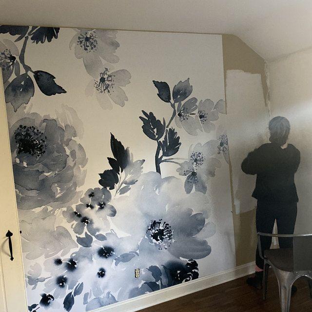 Large Flower Wallpaper Large Flower Mural Peel And Stick Etsy In 2020 Large Flower Wallpaper Vintage Floral Wallpapers Black Floral Wallpaper