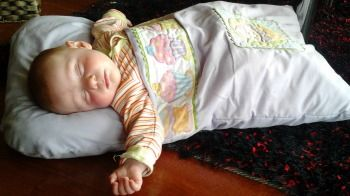 Baby snuggle bag made with love for my new grand daughter. This wee sleeping bag is easy to make and easy to wash.