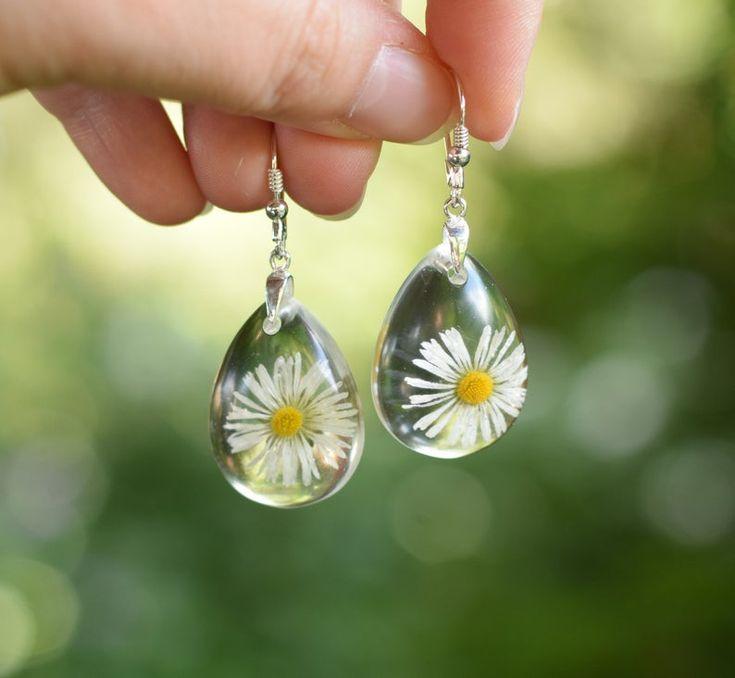Real Flower Daisy Earrings Resin Earrings Drop Shaped Flower Earrings For Everyday Nature Lover Gift Daisy Earrings Botanical Earrings Earrings