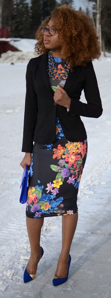 """Alaska Fashion: This is a chic and unique way to wear a floral bodycon midi dress by combining it with a fitted blazer. Can also be worn without a jacket in the spring and summer. This is a pretty sleek way to transform a """"party outfit"""" to a workwear. Click to find out more affordable ways to transform your looks! Fall fashion 