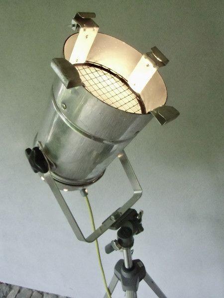 Vintage Stehlampen - Stativlampe - Studiolampe - Tripod Stehlampe Loft  - ein Designerstück von MaDuett bei DaWanda