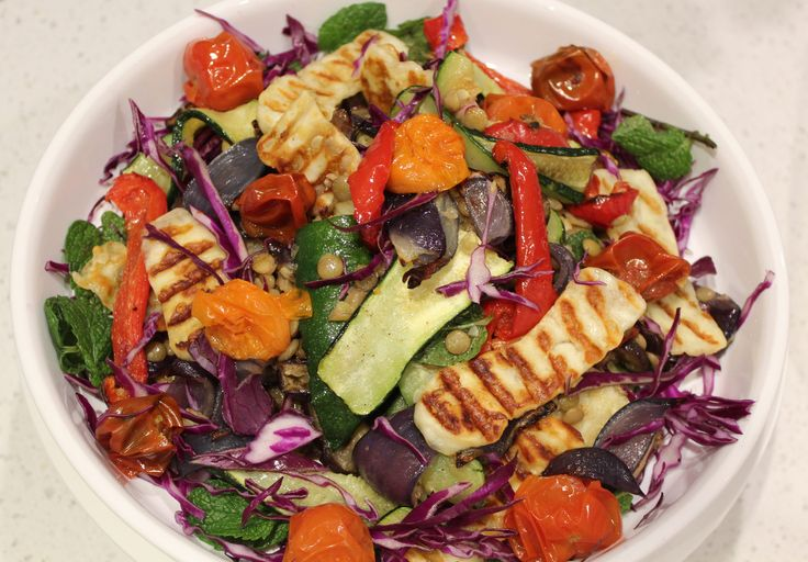 Oven Grilled Vegetable, Halloumi salad // Cook Up A Passion RECIPE: http://cookupapassion.com.au/oven-grilled-vegetable-hallou…/ ♥ Summer night = Warm salad + cold drink ♥ I hope you enjoy this easy, delicious, guilt-free summer dinner filled with great source of vitamins