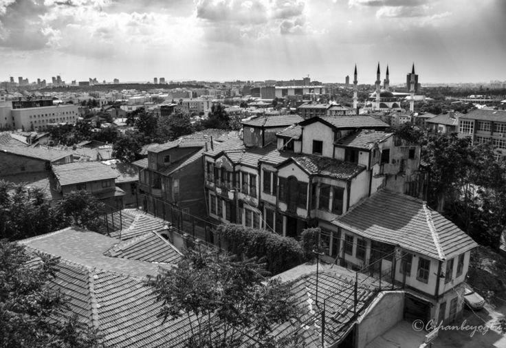 Ankara'da Kayıp Tarih: Yahudi Mahallesi | Yahudi Mahallesi, Ankara tarihinin önemli parçalarından birisi. Öyle olmasaydı bile, şehrin kalbinde bir yer olarak bu şekilde kalmayı hak etmiyor.