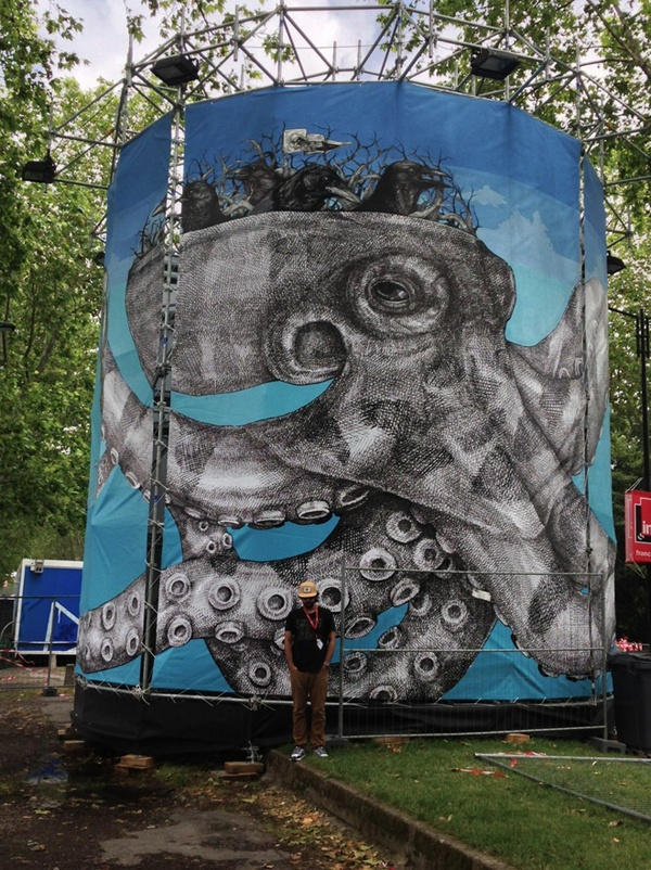 Now in France, Alexis Diaz also know as La Pandilla, has just finished installing a series of sectioned canvases that were stretched onto a circular metal structure. The artist is in Toulouse to particpate in the Rio Loco Festival.