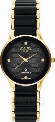 Czarna sukienka, złota biżuteria i #Roamer. #Ceraline #Saphira #Diamond #ZegarekRoamer #RoamerWatch #zegarek #watch #gold #black #elegance #butikiswiss #butiki #swiss #dlaniej
