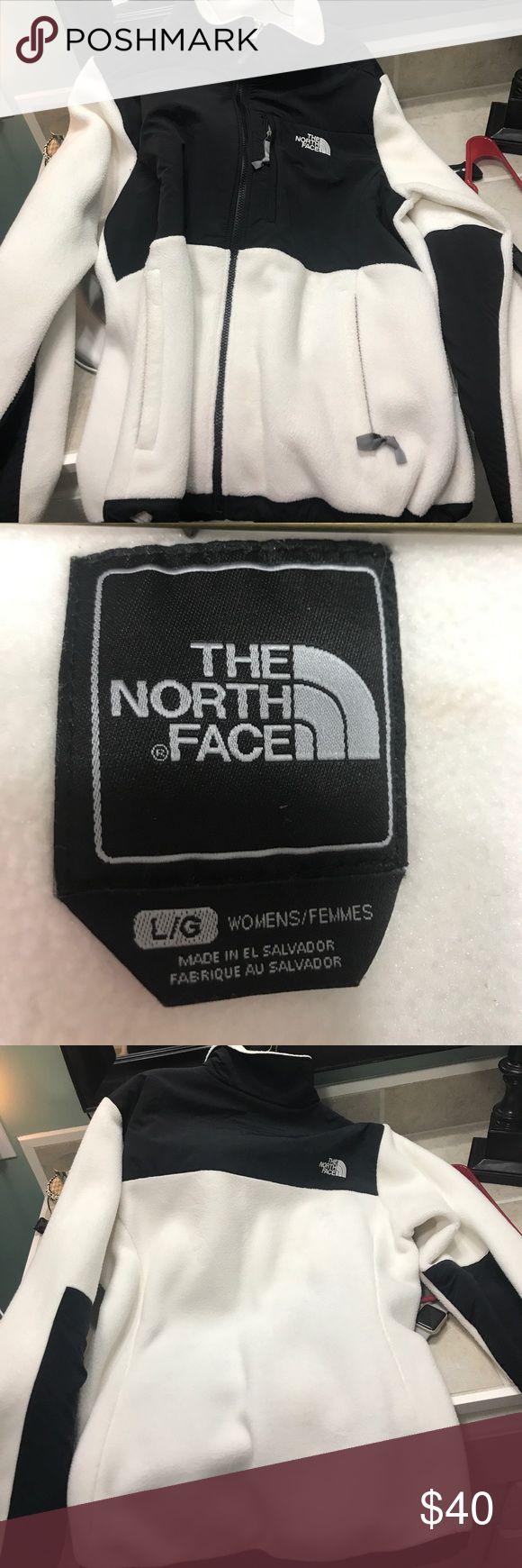 Women's north face jacket Women's large black and white north face North Face Jackets & Coats