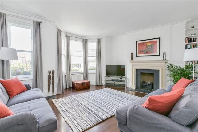 3 Bed Flat For Sale, Parsons Green Lane, London SW6, with price £1,100,000. #Flat #Sale #Parsons #Green #Lane #London