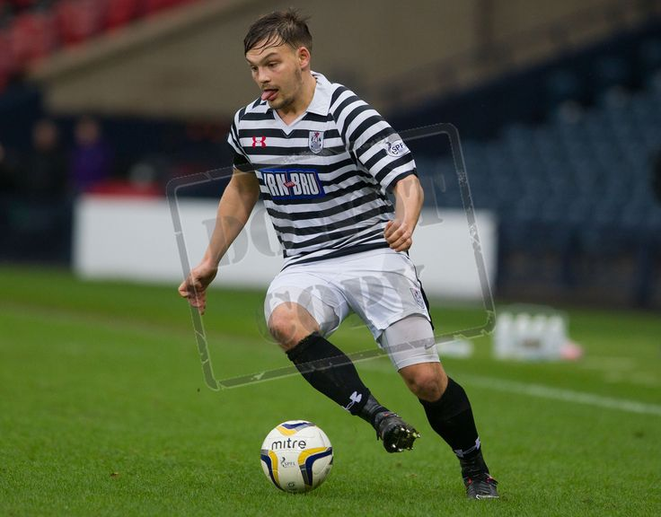 Queen's Park's Ross McPherson on the ball during the SPFL League Two game between Queen's Park and East Fife