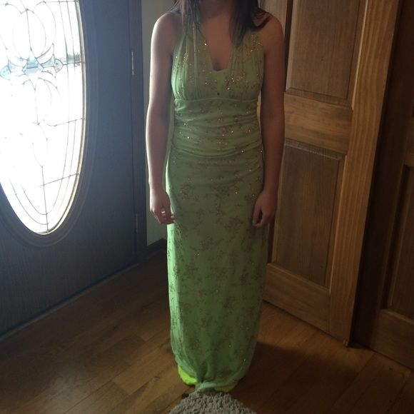 Light green sparkly floor length dress Size medium floor length light green sparkly dress. Never worn, excellent condition Dresses