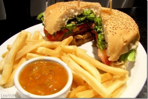 ".@Sascha Schneider Barboza: La ""comida trampa"" - http://www.leanoticias.com/2014/02/14/saschafitness-la-comida-trampa/"