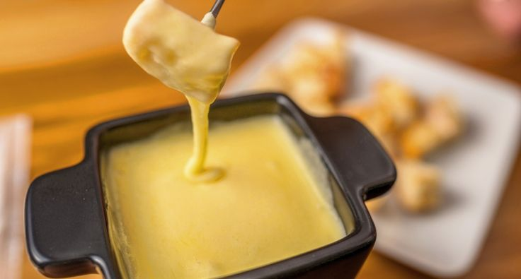 Klasszikus sajt fondue recept | APRÓSÉF.HU - receptek képekkel