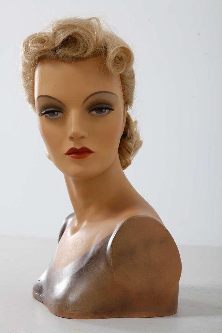 Art Deco mannequin 1930