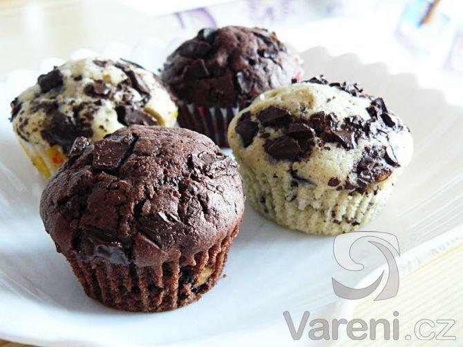 Výborné muffiny s kousky čokolády -