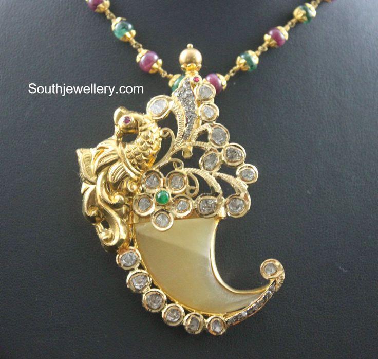 peacock puligoru pendant