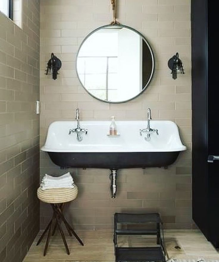 Tiny, small bathroom dreams the rustic way