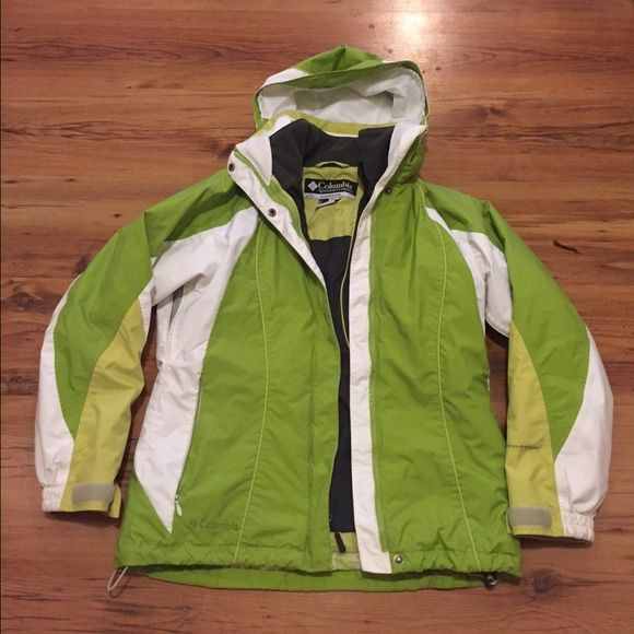 Columbia interchangeable winter coat This Columbia coat is in new condition. This coat doesn't just come with your typical fleece zipped inside. It's another Columbia nice warm coat. Columbia Jackets & Coats