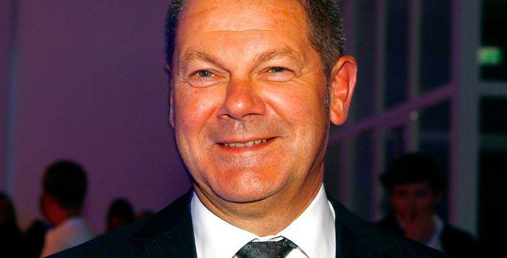 Olaf Scholz eröffnet Superschule - Bürgermeister Olaf Scholz gab den Startschuss…
