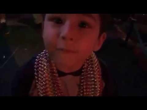 Gio goes to Mardi Gras 2017 at Universal Orlando Florida...time to get s...