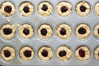 Bite-Sized Blackberry Brown Sugar Cakes   OOHHH...So Sweet ...