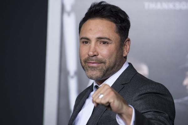 Boxing Hall of Famer Oscar De La Hoya remains confident that he still can handle himself in the ring.