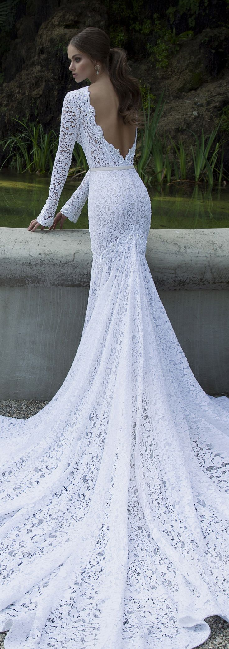 1000 images about berta 2015 trunk show on pinterest for Very pretty wedding dresses