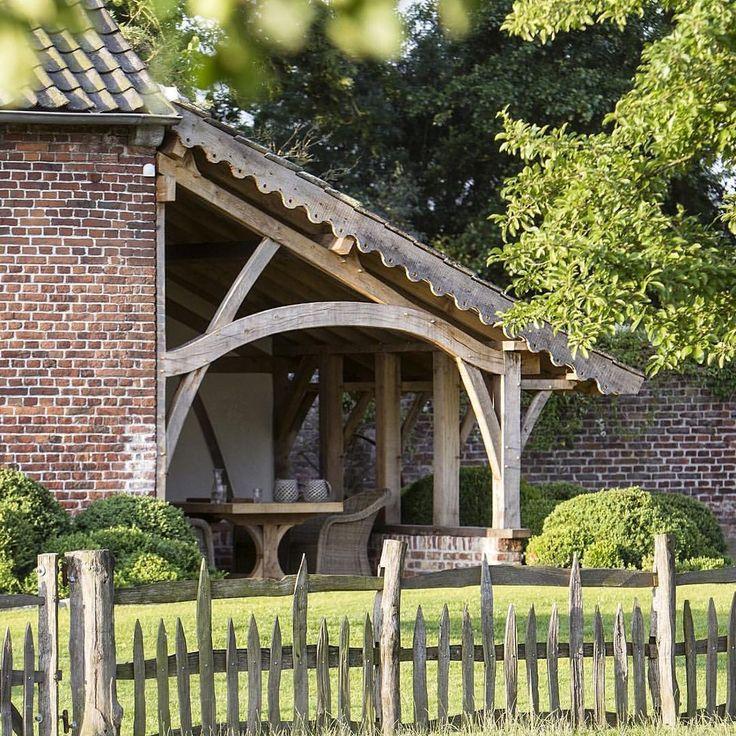 #gardeninspiration #landelijk #landelijkestijl #sfeervolwonen #countryliving #springtime #jardin #belgianstyle #notmypic #sfeer #outdoorliving #genieten #enjoylife