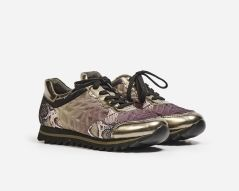 Gekleurde sneakers met zwarte veters
