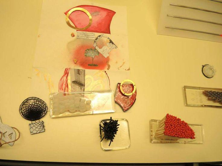 . Proyectos bajo el tema: Cadaver exquisito. Rosa Gomis. Colección de broches de Bàrbara Arnau. 2015 - Escuela de Arte y Diseño de Tarragona