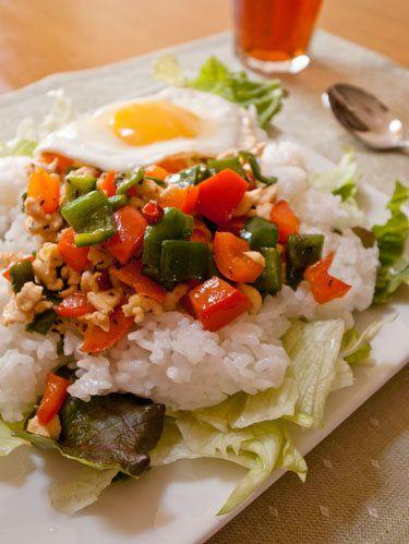 意外と簡単!ランチにおすすめのガパオ炒めご飯の作り方 | nanapi [ナナピ]