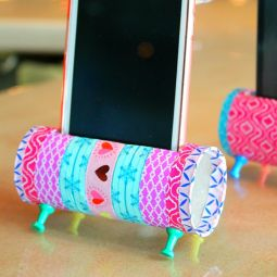 DIY phone speakers and holder