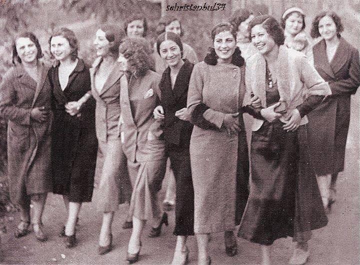 Yıl 1934 ve TÜRK KADINI❗ pic.twitter.com/iVVARPUiYk