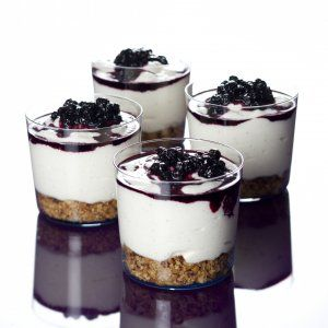 Soft cheesecake with blueberries