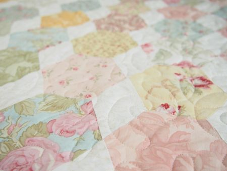 Pretty By Hand Honey Bee Quilt Pretty By Hand