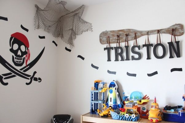 25 Best Ideas About Lego Theme Bedroom On Pinterest Boys Lego Bedroom Lego Boys Rooms And