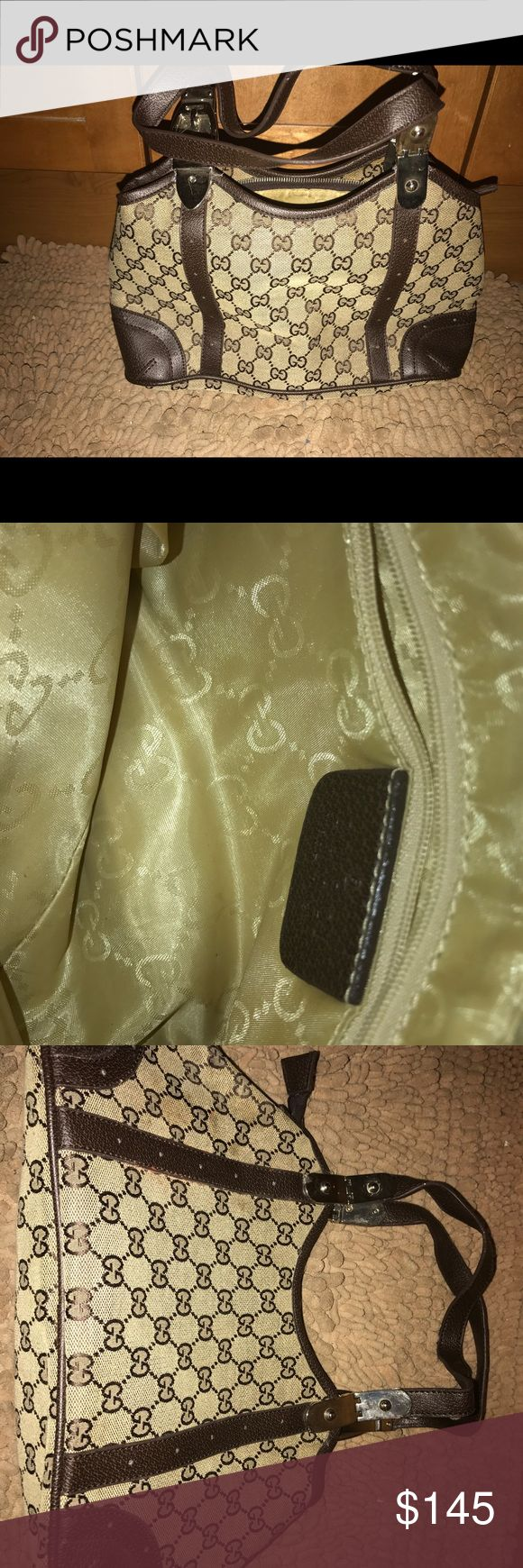 GUCCI Vintage Monogram Bag Vintage Monogram GUCCI Bag. Hardware with Silver color, inside has a small zipper pocket with Gucci tag. Inside is spotless, overall GREAT condition. Slightly used!! Gucci Bags Hobos