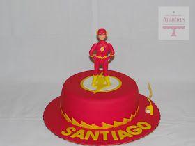 Mais um Super Herói, desta vez, o Flash., que, com a sua velocidade supersónica, correu para a festa do Santiago!   Bolo de iogurte, com rec...